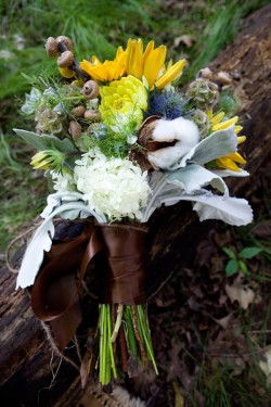 Thistle-Cotton-and-Rosemary-Bouquet