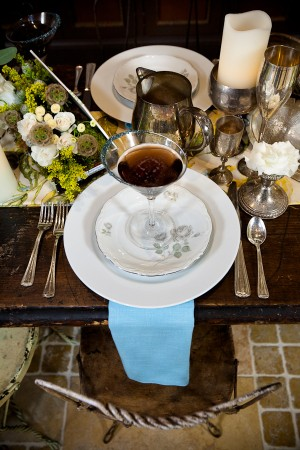 Vintage-China-Place-Setting-Wedding-Ideas