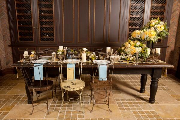 Vintage-Parisian-Table