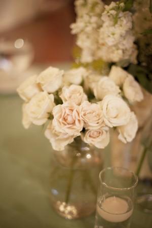 White-Spray-Rose-Centerpiece