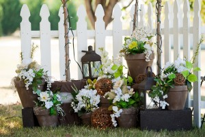 Brown-and-White-Clustered-Centerpieces