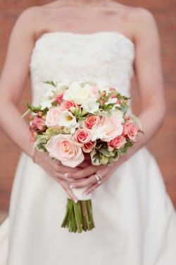 Peach-and-Green-Bouquet