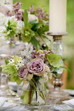 Purple-and-White-Centerpieces