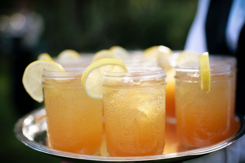 Sweet-Tea-in-Mason-Jars