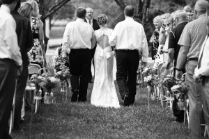 bride_walking_up_aisle_with_dads