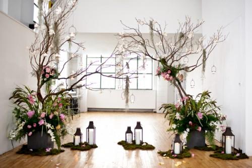 Branch-and-Lantern-Altar