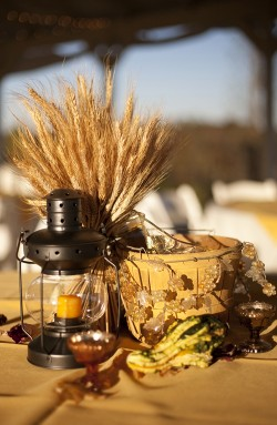 Fall-Centerpiece-Wheat-and-Lanterns