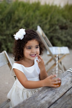 Flowergirl-Drinking-Tea