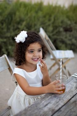 Flowergirl-Drinking-Tea