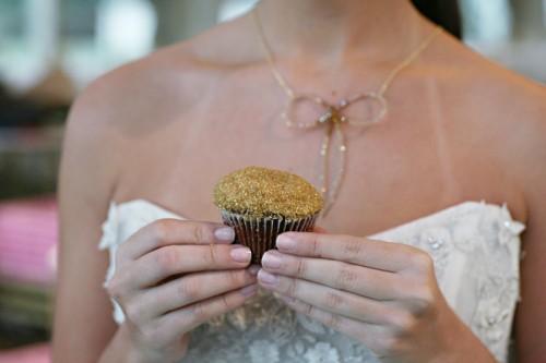 Gold-Glitter-Cupcake