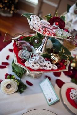 Holiday-Dessert-Stand