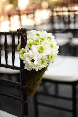 Moss-and-Hydrangea-Chair-Decor
