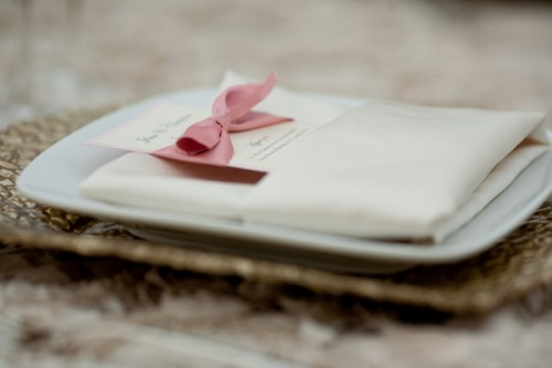 Pink-and-White-Place-Setting