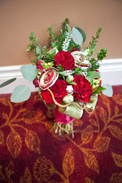 Red-and-Green-Bouquet