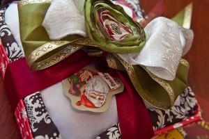 Vintage-Christmas-Ring-Bearer-Pillow