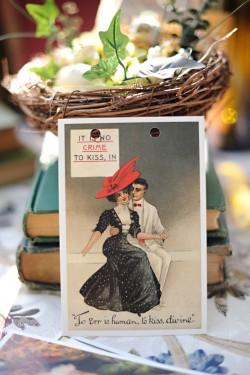 Vintage-Postcard-Wedding-Ideas