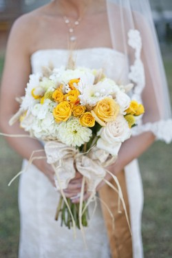 Yellow-and-Ivory-Bouquet