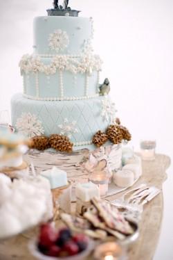 Blue-Winter-Wedding-Cake