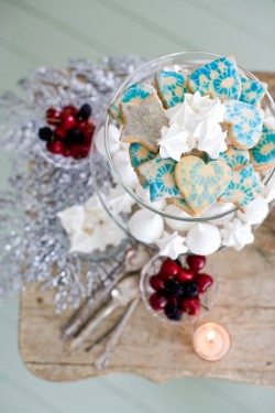 Blue-and-Silver-Winter-Wedding-Ideas