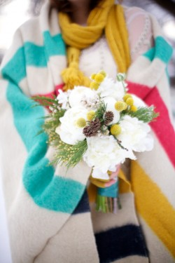 Bright-Winter-Wedding-Floral