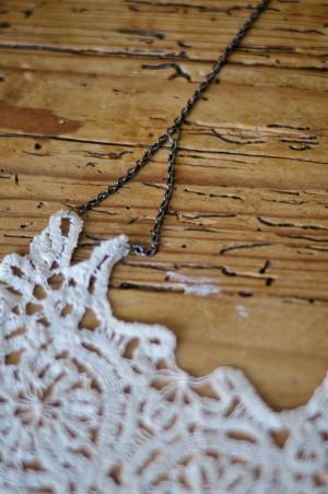 DIY-Doily-Necklace-Tutorial-06