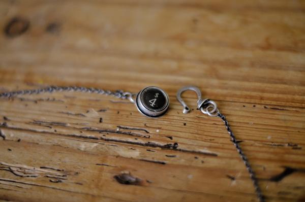 DIY-Doily-Necklace-Tutorial-08