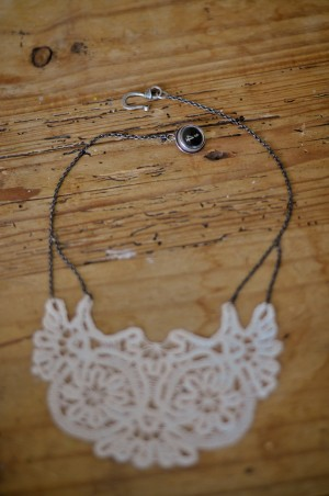 DIY-Doily-Necklace-Tutorial-09
