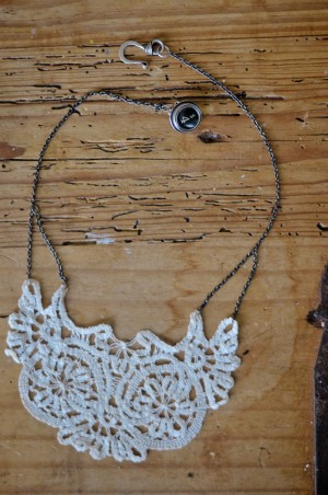 DIY-Doily-Necklace-Tutorial-10