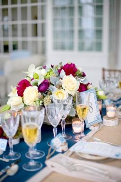 Elegant-Winter-Centerpiece-Wedding-Ideas