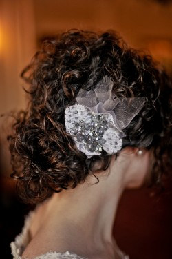 Gray-Pearl-Hair-Flower