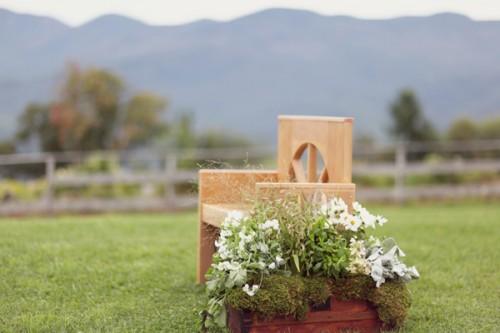 Handmade-Ceremony-Altar-Pew