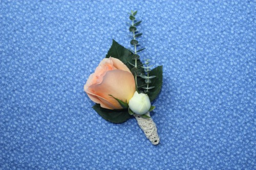 How-to-Make-a-Boutonniere-1
