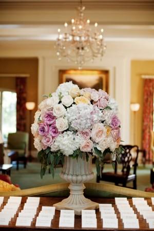 Hydrangea-and-Rose-Centerpiece