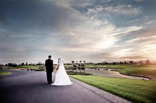 Bride_Groom_Encanterra_Walking