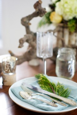 Simple-Winter-Tablescape
