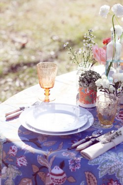 Thrifted-Wedding-Place-Setting