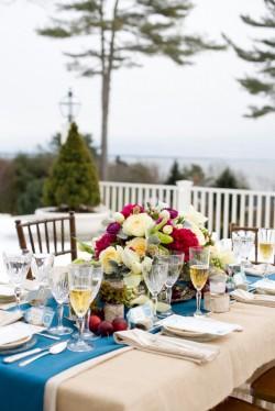 Winter-Wedding-Table-Centerpiece-Ideas-12