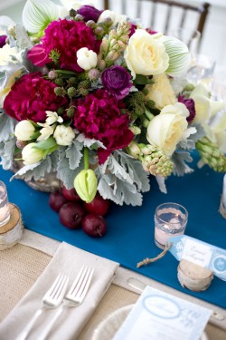 Winter-Wedding-Table-Centerpiece-Ideas-2