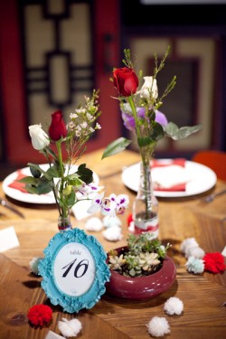 red-and-blue-rose-centerpiece