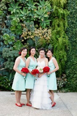 turquoise-and-red-bridesmaids