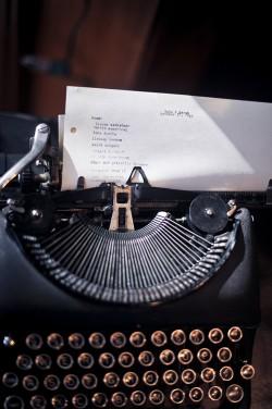 typewriter-guestbook