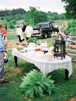 Backyard-Wedding-Dessert-Table