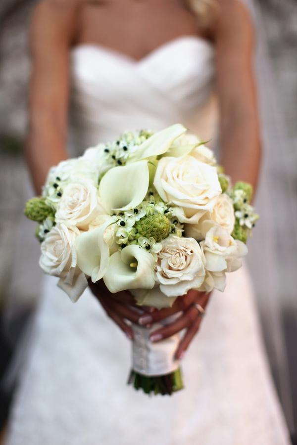 Celery-Green-Rose-Bouquet