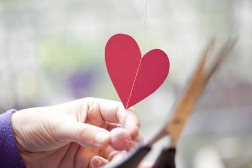 DIY-Sewn-Heart-Garland-Tutorial-5