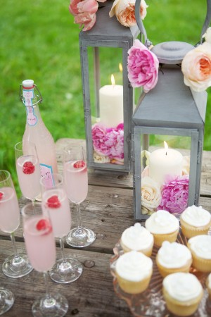 Drink-and-Dessert-Table
