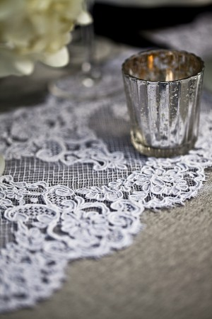Elegant-Lace-Table-Runner
