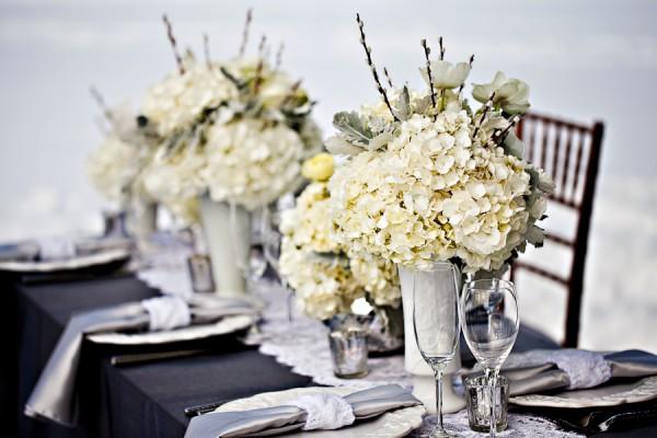 Gray-Winter-White-Elegant-Table
