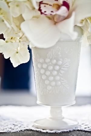 Milk-Glass-Vase