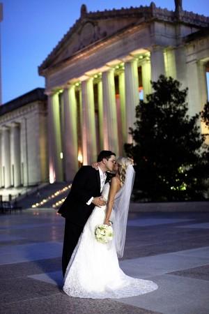 Nashville-War-Memorial-Wedding-Portrait-3