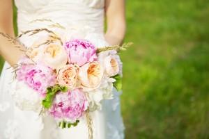 Pink-Peach-Peony-Ranunculus-Bouquet